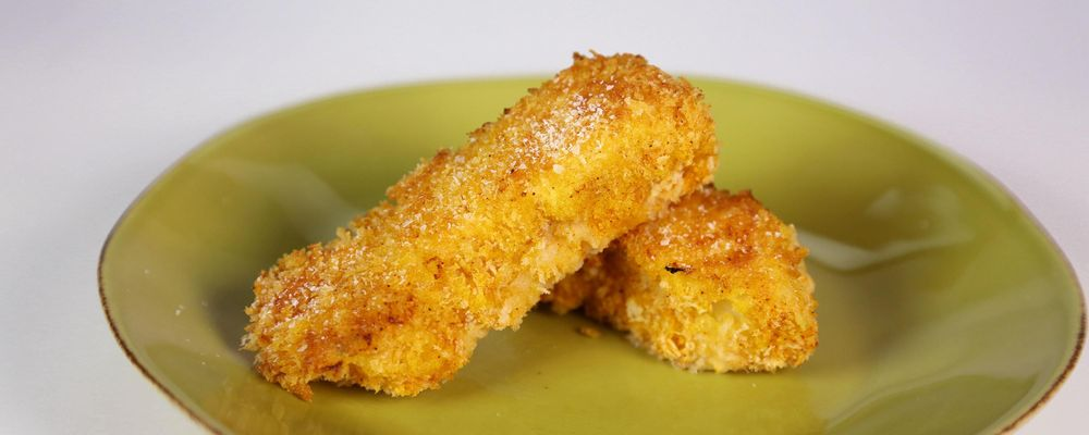 Daphne Oz\'s Unfried Fish Sticks