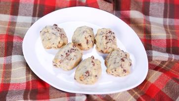 Chocolate-Walnut Cookies