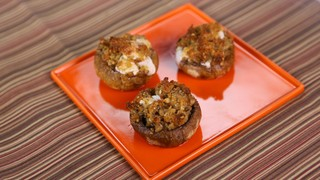 Suzanne Avino\'s Stuffed Mushrooms