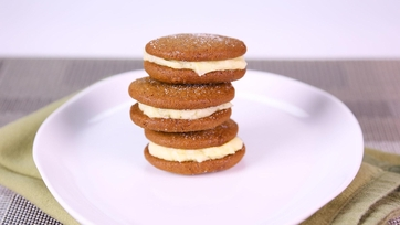 Carla Hall\'s Lemon Gingersnap Sandwich