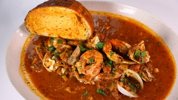 Guy Fieri\'s Nor Cal Cioppino
