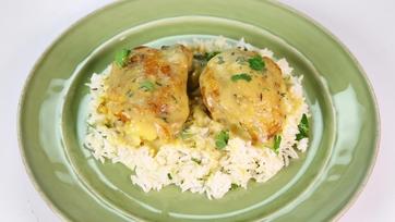 Smothered Chicken with Buttermilk Gravy