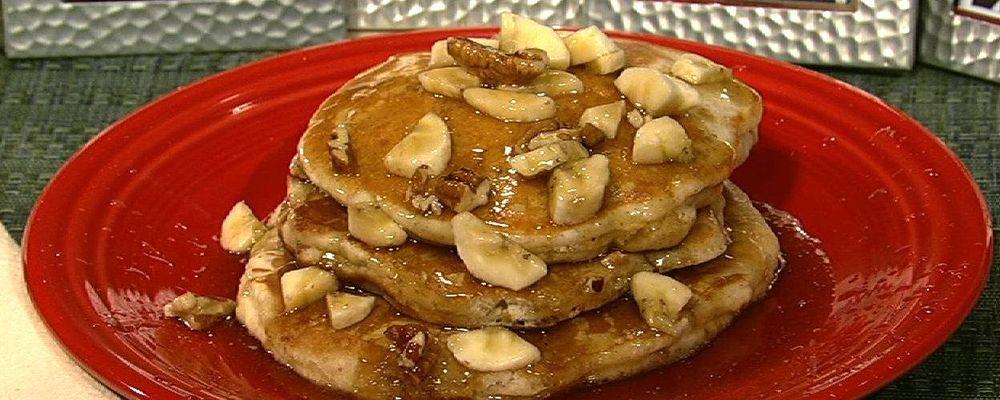 Banana Flax Pecan Pancakes