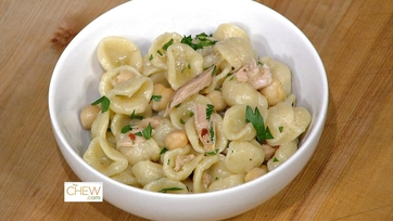 Shells with Tuna, Chick Peas & Parsley