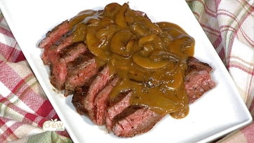 Grilled Skirt Steak with Mushroom Gravy