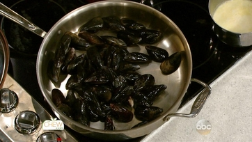 Holiday Chowder with Mussels: Part 1