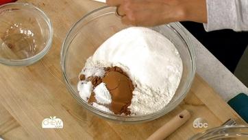 Thanksgiving Chocolate Pecan Piecake: Part 1