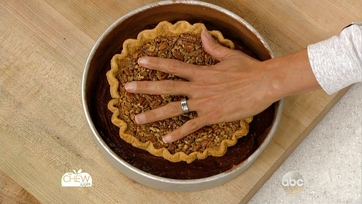 Thanksgiving Chocolate Pecan Piecake: Part 2