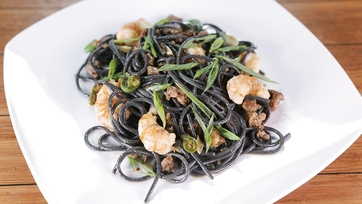 Black Spaghetti with Rock Shrimp and Chorizo: Part 1