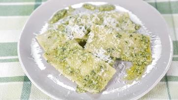 Pea-Mascarpone Ravioli with Sauteed Peas and Pea Pesto: Part 2