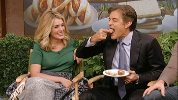 Dr. Oz Eats 1000 Calories of Fried Oreos!