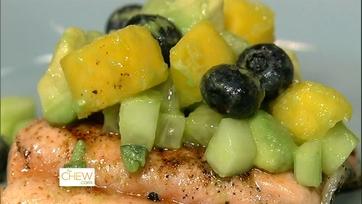 Daphne\'s Chili Salmon Mango Cucumber Salsa
