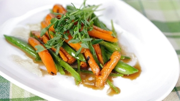 Clinton Kelly\'s Grilled Vegetables En Papillote