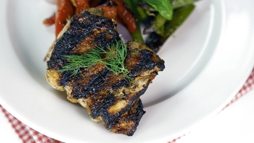 Clinton Kelly\'s Buttermilk Marinated Grilled Chicken Thighs: Part 1