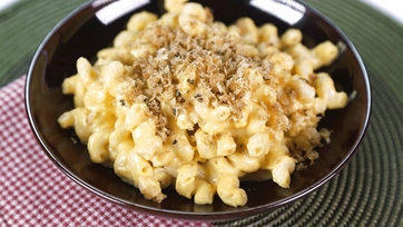 Clinton Kelly's Lightened Up Squash Mac and Cheese Recipe: Part 1