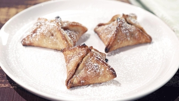 Store Bought Shortcuts: Apple Pie Bites Recipe by Clinton Kelly