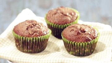 Banana, Date, and Nut Muffins Recipe by Lisa Oz
