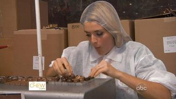 Daphne\'s Dirtiest Jobs: Candy Making