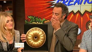 Brad Garrett Receives a Golden Bundt