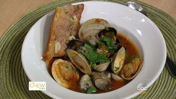 Steamed Clams in Spicy Brodetto with Garlic Bread: Part 1