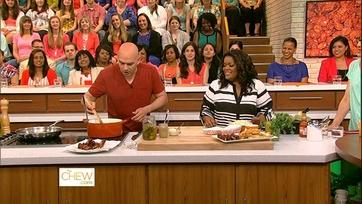 Yvette Nicole Brown Gets Cooking - 2