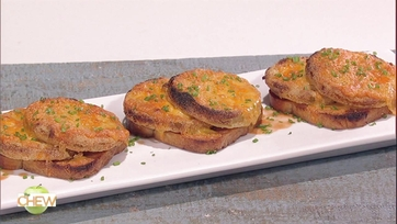 Clinton Kelly\'s Fried Green Tomato Grilled Cheese