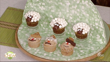 Carla Hall\'s Sheep Cupcakes