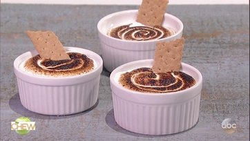 Michael Symon\'s Chocolate Hazelnut S\'mores Dip: Part 1