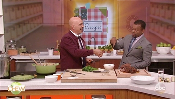 Michael Symon and Alfonso Ribeiro Make His Mom\'s Italian Beef: Part 2