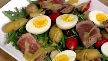 Michael\'s Tuna Nicoise Salad