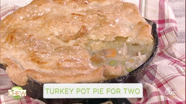Hilary Duff and Clinton Kelly Make Turkey Pot Pie for Two: Part 1