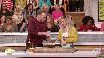 Hilary Duff and Clinton Kelly Make Turkey Pot Pie for Two: Part 2