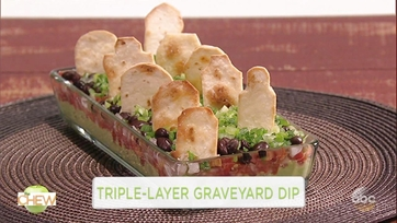 Clinton Kelly and Wanda Sykes Make a Triple-Layer Graveyard Dip: Part 1