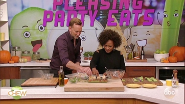Clinton Kelly and Wanda Sykes Make a Triple-Layer Graveyard Dip: Part 2