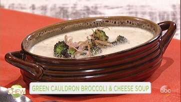 Clinton Kelly and Colin Hanks Make Broccoli and Cheese Soup: Part 1