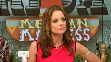 Kimberly Williams-Paisley Gets Cooking - 1