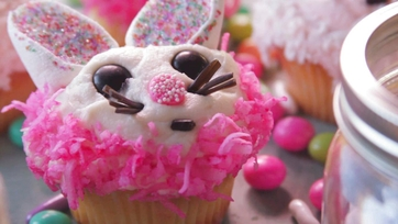 On Location: Easter Bunny Cupcakes