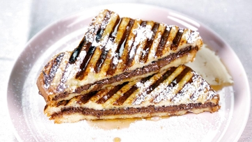 Hazelnut Chocolate Stuffed French Toast: Part 1
