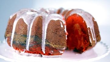 Red Velvet Swirl Cake: Part 1