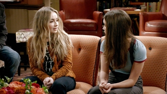 S3 E21: Girl Meets Goodbye