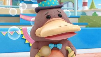 S4 E11: Toy Hospital: The Mayor\'s Speech / The Lake Monster