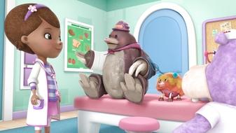 S4 E15: Toy Hospital: Mole Money, Mole Problems / Yip, Yip, Boom!