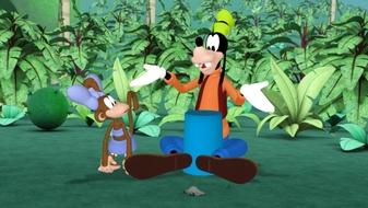 Mickey\'s Fishy Story