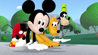 Mickey Mouskersize: Pluto Has a Ball