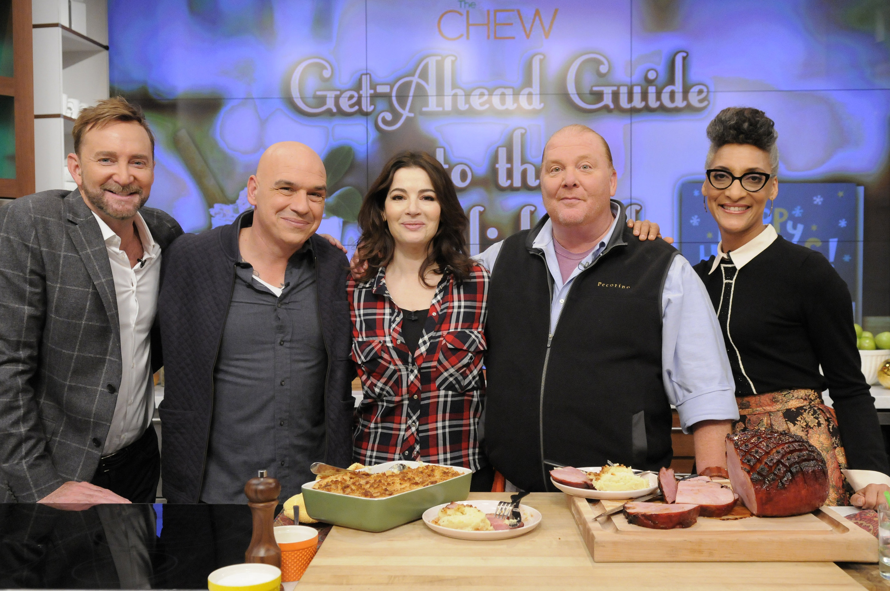 the chew s schedule for the week of 11 30 nigella lawson leann