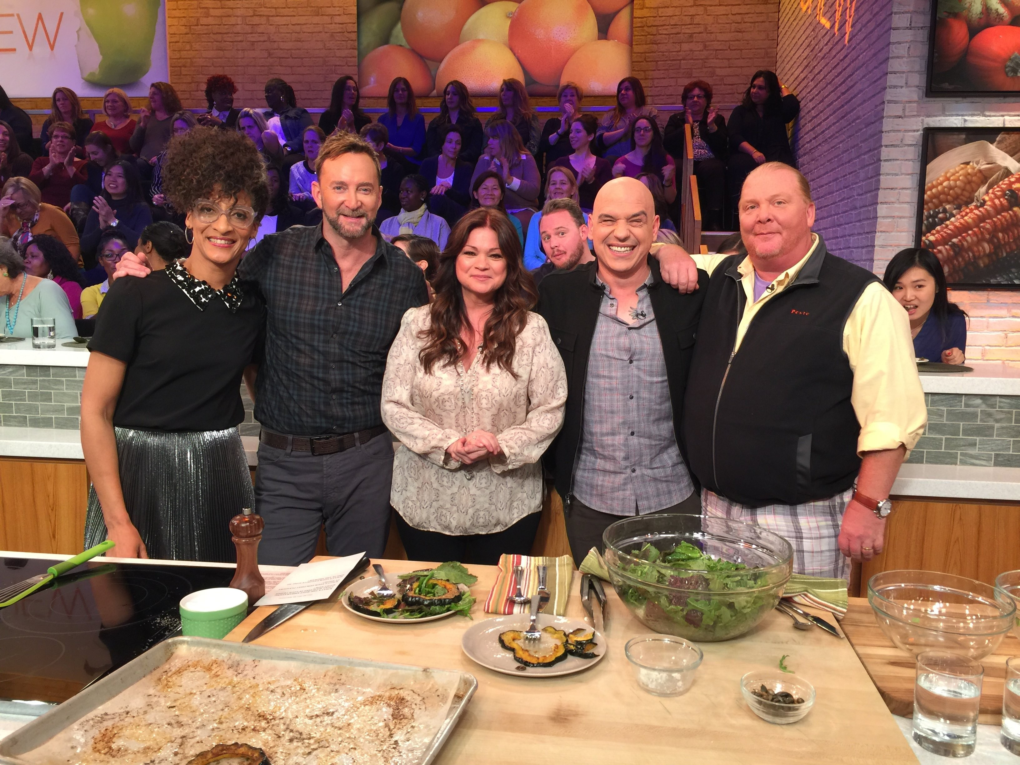 the chew s schedule for the week of 11 09 valerie bertinelli kelly