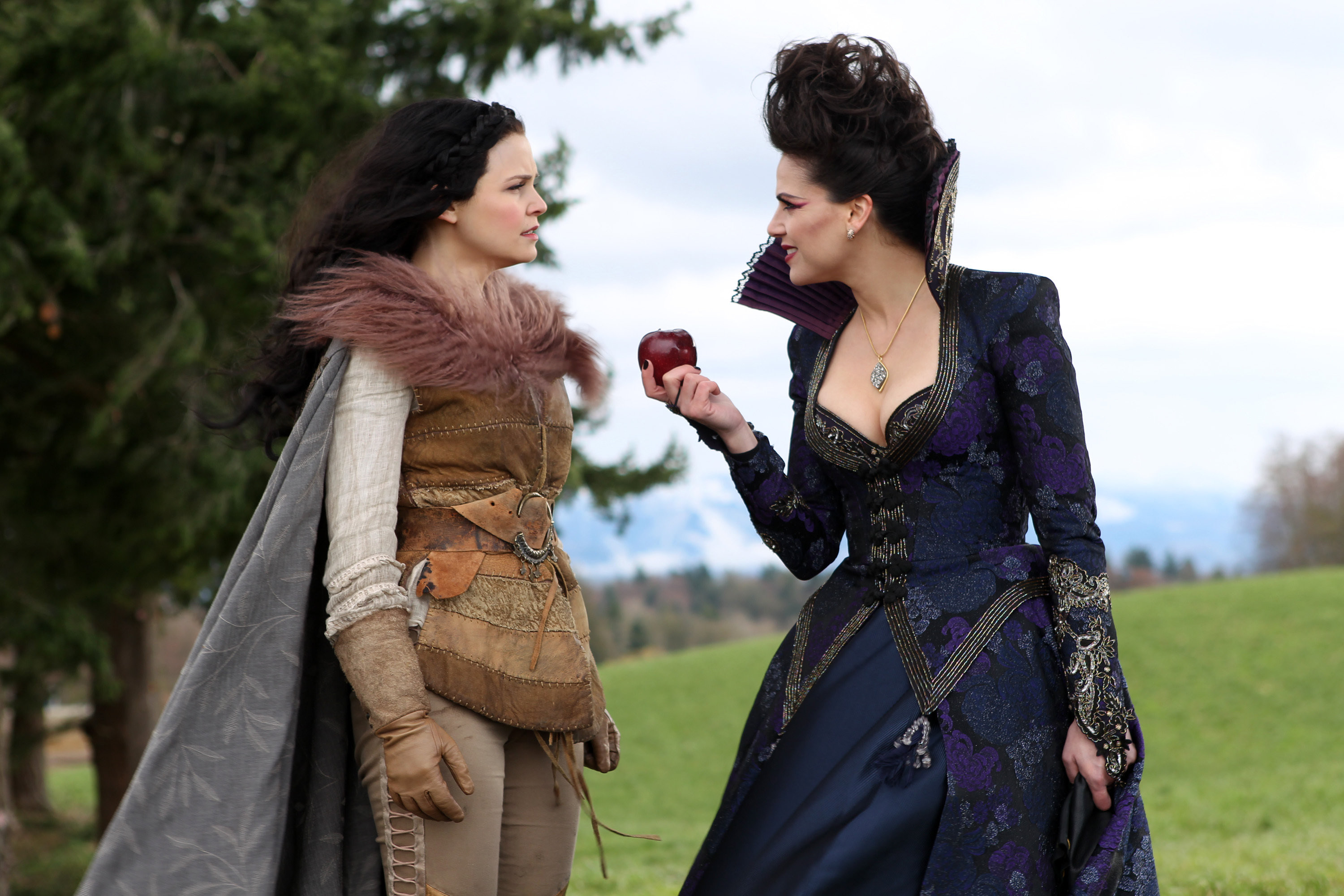 7 easy halloween costumes from once upon a time once upon a time