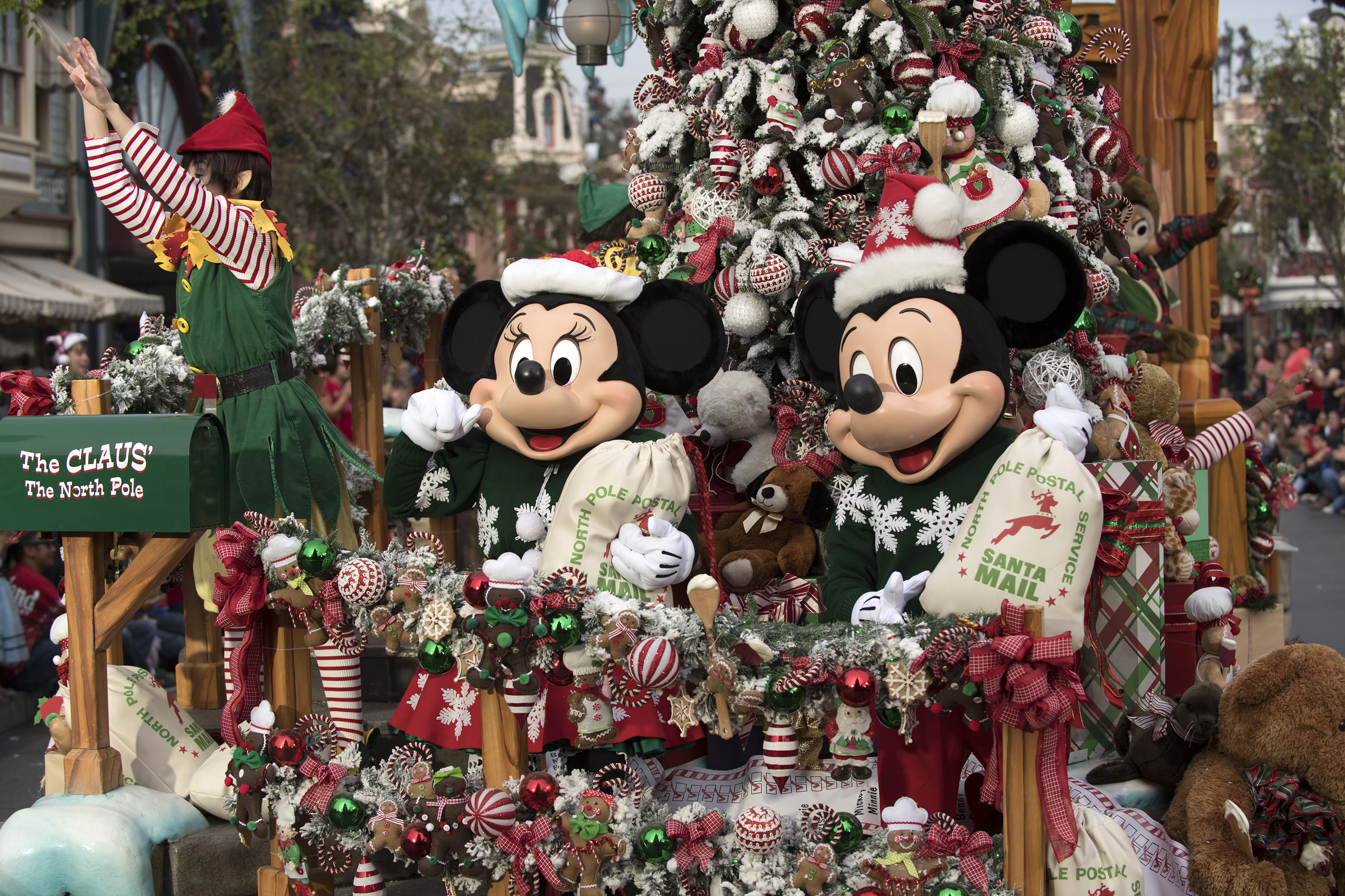 Watch the Disney Parks Magical Christmas Day Parade December 25! | ABC Updates