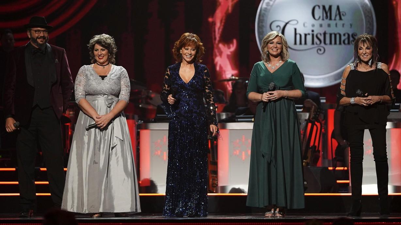 Watch CMA Country Christmas TV Show - ABC.com