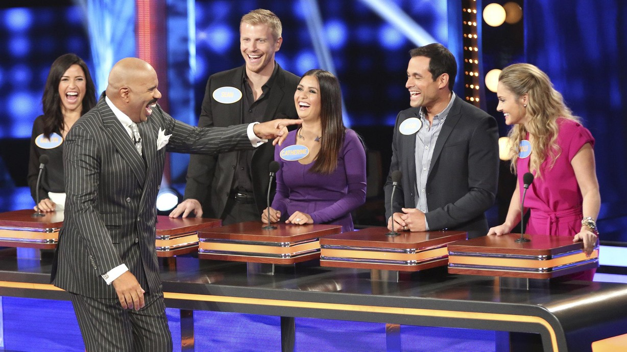 'Celebrity Family Feud' spinoff game show premieres Sunday ...